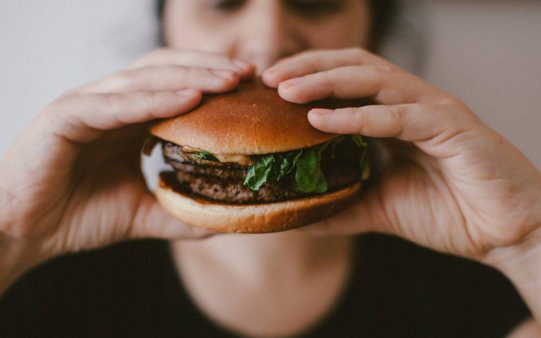 Binge eating disorder: alimentazione fuori controllo